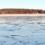 Varning för isen på Ridöfjärden